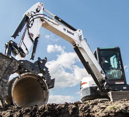 bobcat-e42-compact-excavator-cement-culvert-hero_hs_low (1)